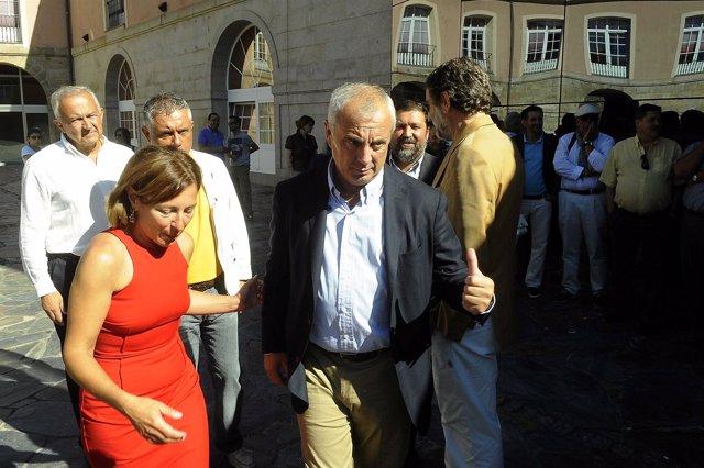 El Candidato Del Psdeg, Pachi Vázquez, Junto A Mar Barcón