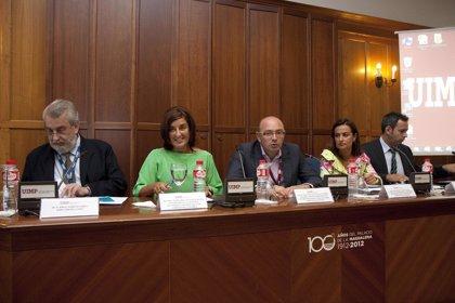 Buruaga dice que las medidas adoptadas por el Gobierno en el ámbito sanitario generarán un ahorro de 30 millones