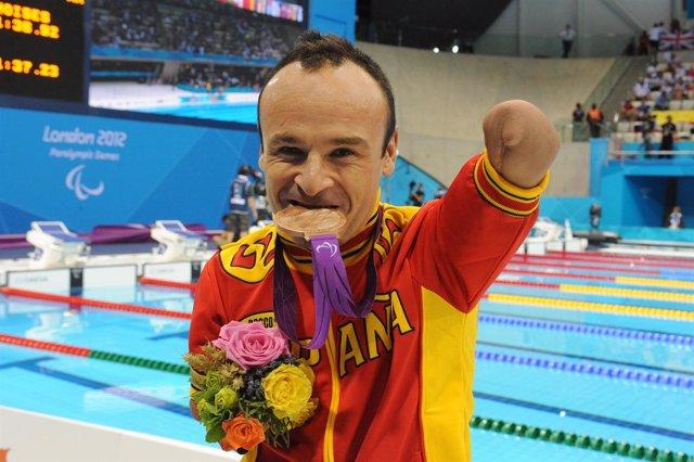 Ricardo Ten medalla de bronce en los 100 metros braza