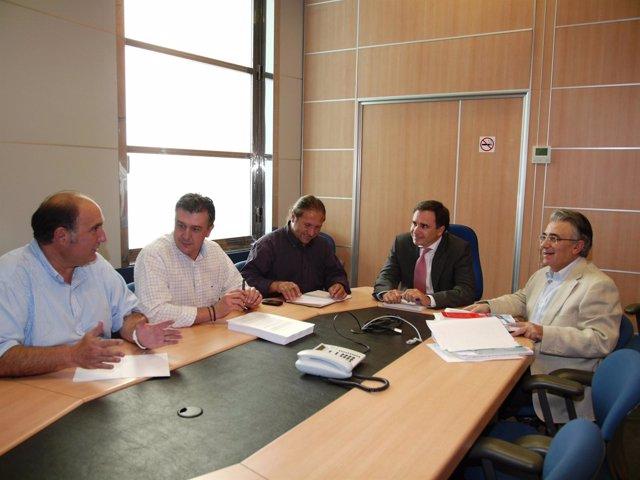 Reunión del presidente de la CHE, Xavier de Pedro, con organizaciones agrarias