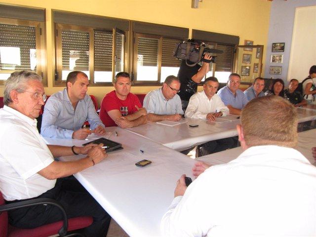 Reunión del presidente de la DPZ con los afectados por el incendio del Moncayo.