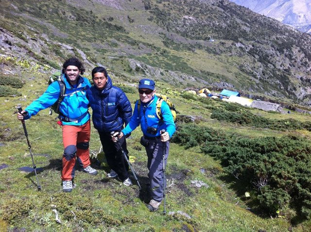 Carlos Martínez, Shange Sherpa y Carlos Soria Expedición BBVA