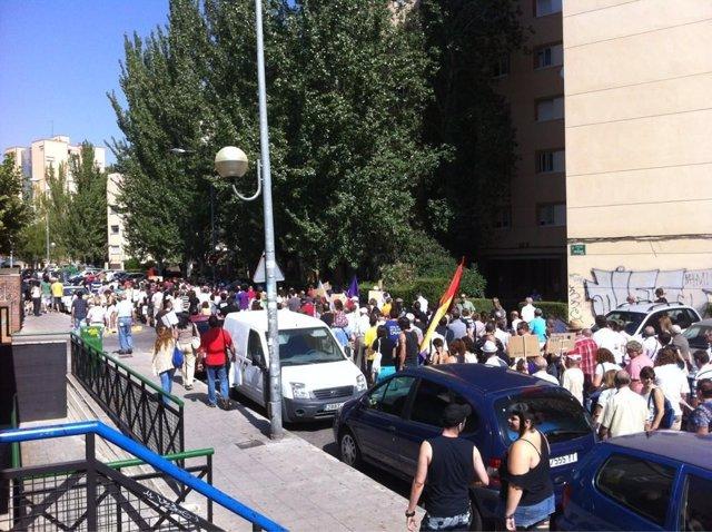 Manifestantes se concentran en Coslada.