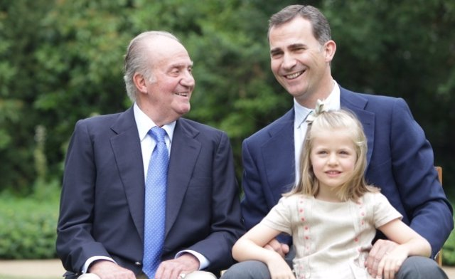 El Rey, El Príncipe Y La Infanta Leonor
