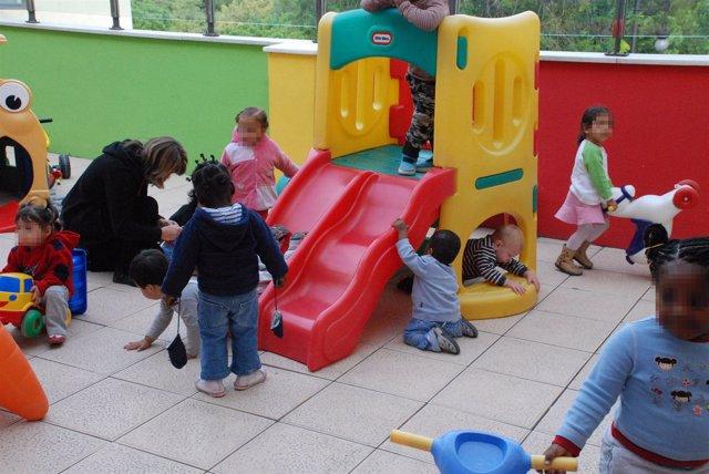 Niños Atendidos En Escuela Infantil De Casa Caridad