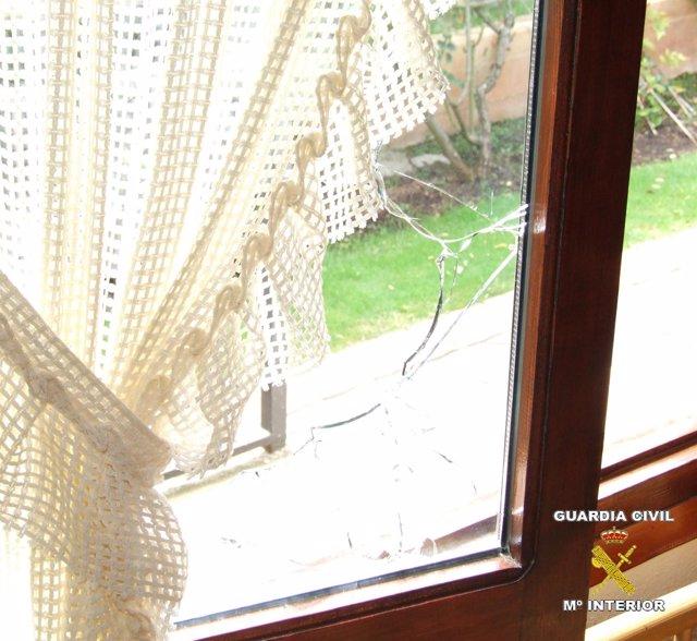 Daños en ventana por robos