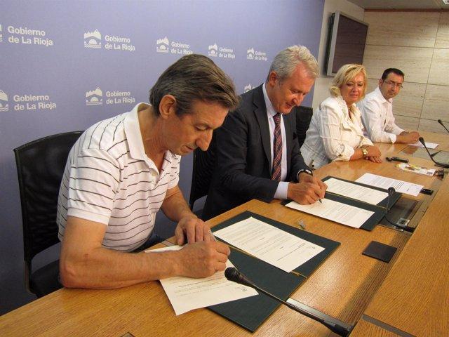 Firma convenio con Federación de Peñas de Logroño