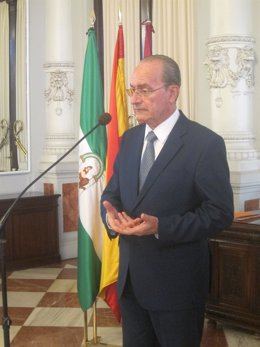 El alcalde, Francisco de la Torre