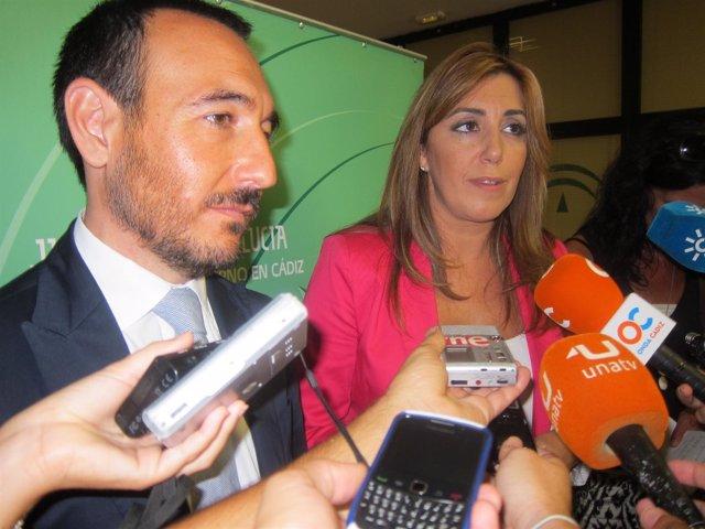 Susana Díaz, Consejera De  Presidencia, Junto Al Delegado De La Junta En Cádiz,