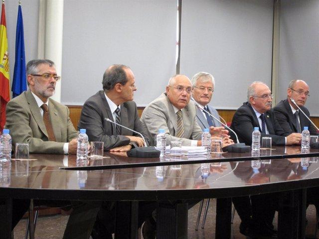 El Rector De La UPV, Juan Juliá, Durante La Rueda De Prensa.