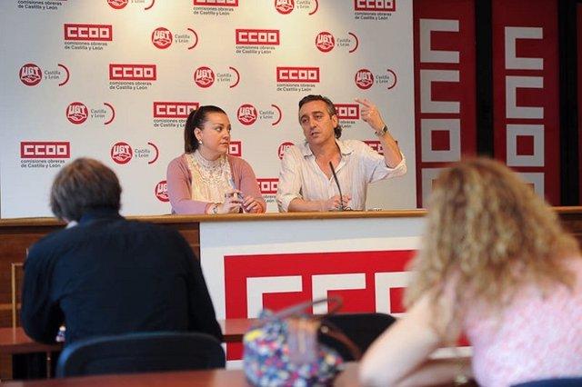 Saturnino Fernández y Patricia García durante la rueda de prensa