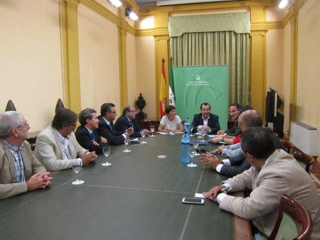 Reunión entre la Junta de Andalucía y la CEM