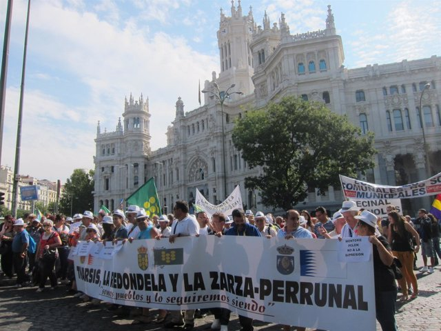 Protesta en Madrid contra la supresión de las ELA