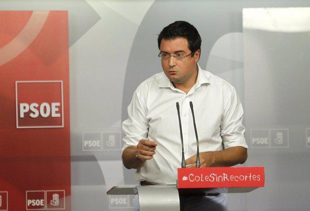 Rueda de prensa del Secretario de Organización del PSOE, Óscar López.