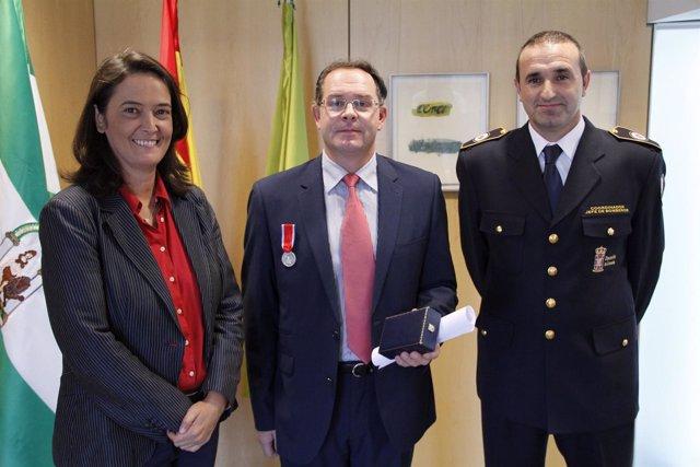 NP Y Foto Medalla Cuerpo Bomberos Voluntarios De Italia