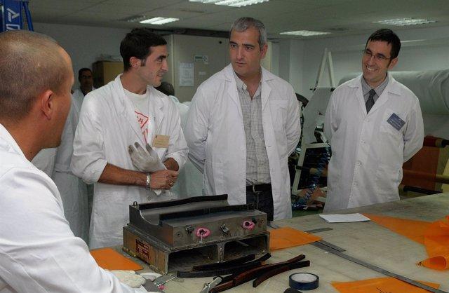 Antonio Jesús Ruiz, en su visita a una escuela taller