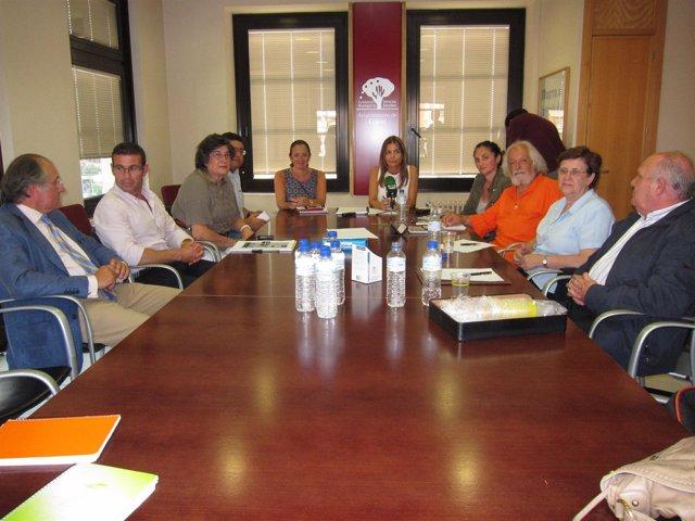 Reunión Sobre 'Calor Y Café'