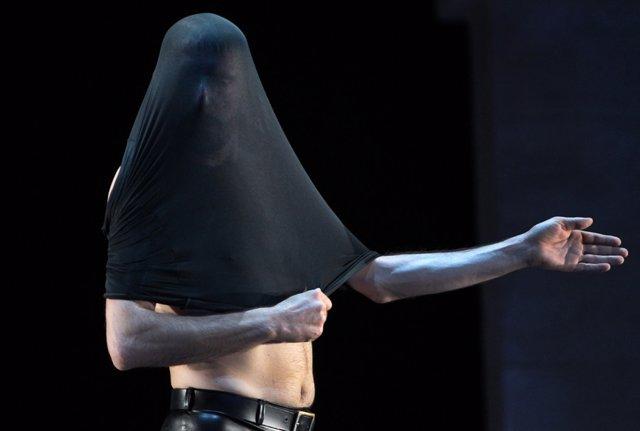 Andrés Marín estrena 'Tuétano' en la Bienal de Flamenco