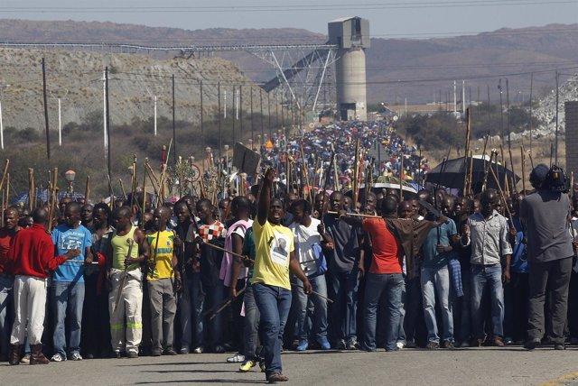 Marcha minera en Sudáfrica a favor de mejoras salariales
