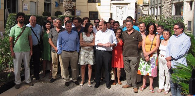Echávarri y Marín en la foto de familia de su candidatura a la secretaría local