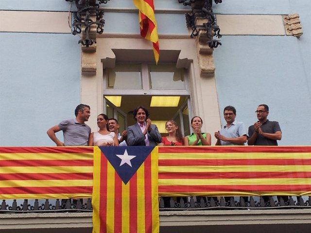 ERC Cuelga La 'Estelada' En El Distrito De Gràcia
