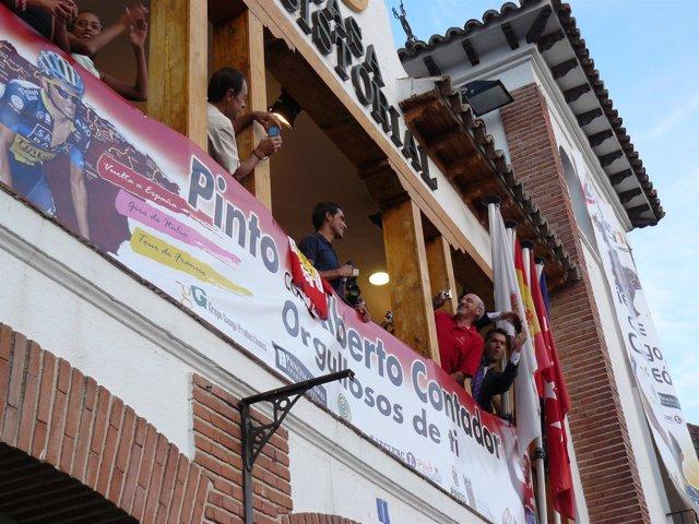 Alberto Contador balcón Ayuntamiento Pinto homenaje Vuelta España