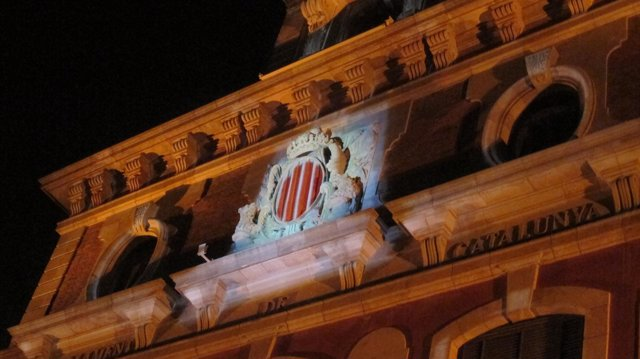 Fachada Del Parlament Inaugurada Con Motivo De La Diada