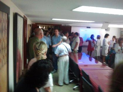 Andalucía.- Sindicatos se encierran en el Hospital Virgen del Rocío (Sevilla) para negociar las 37,5 horas semanales
