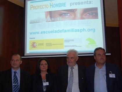 Proyecto Hombre crea un curso 'online' para ayudar a las familias en la detención y prevención del consumo de drogas