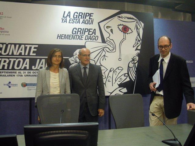 En el centro, el consejero vasco de Sanidad, Rafael Bengoa.