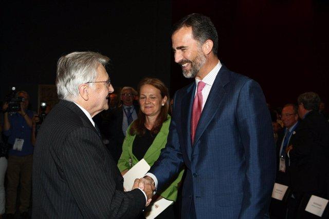 Jean Claude Trichet Y El Príncipe De Asturias En El Alumni Forum De IE Business