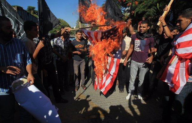Manifestación antiestadounidense por la película contra Mahoma
