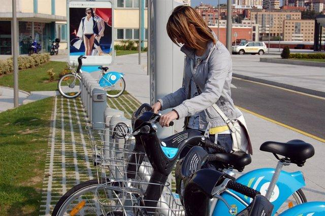 Bicis de alquiler del TusBic en el campus