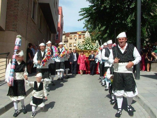 Procesión en las fiestas de la Coronación de Virgen de Sancho Abarca en Tauste