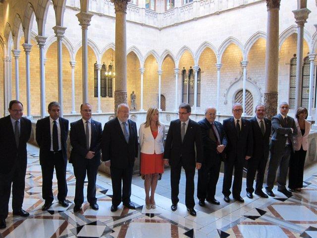 Firma del convenio con las cuatro diputaciones