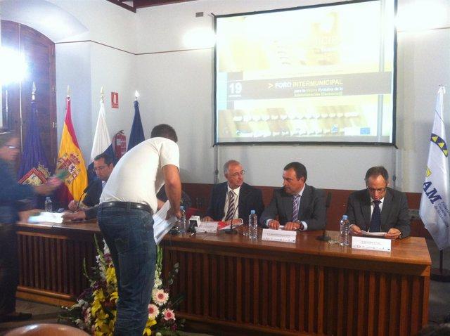 Spínola (En El Centro) Durante La Inauguración De Las Jornadas