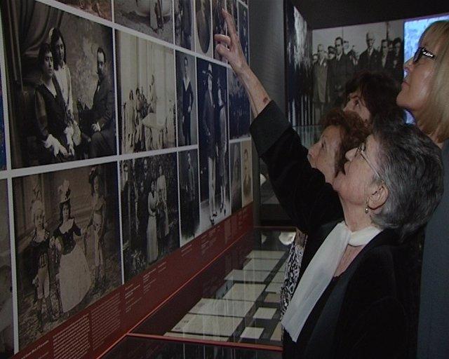 La Nieta De Blasco Ibáñez En La Exposición Del Muvim.