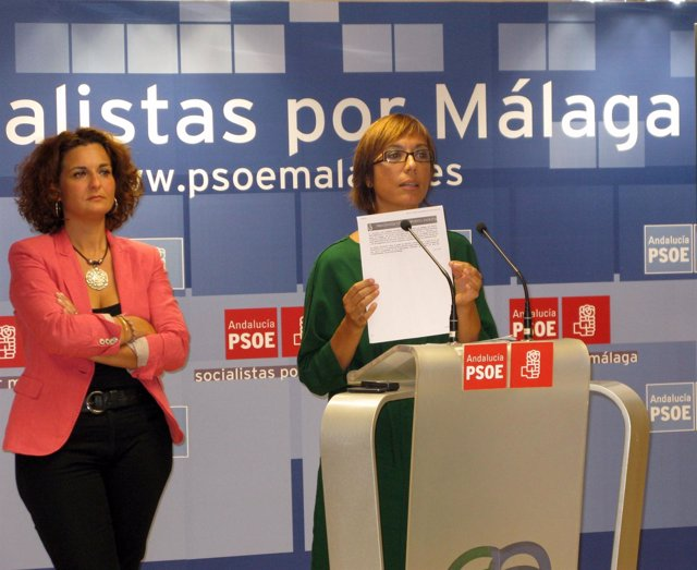 María Gámez y Pilar Serrano en rueda de prensa