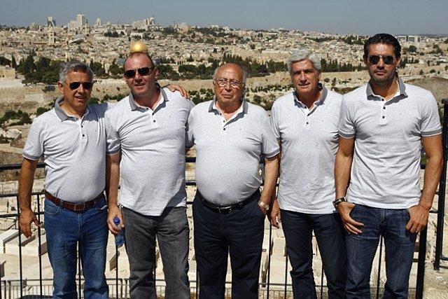 Caminero, Villaverde y directiva Atlético en Jerusalén