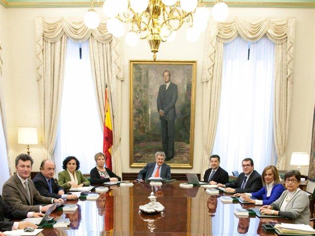 Reunión De La Mesa Del Congreso Presidida Por Posada