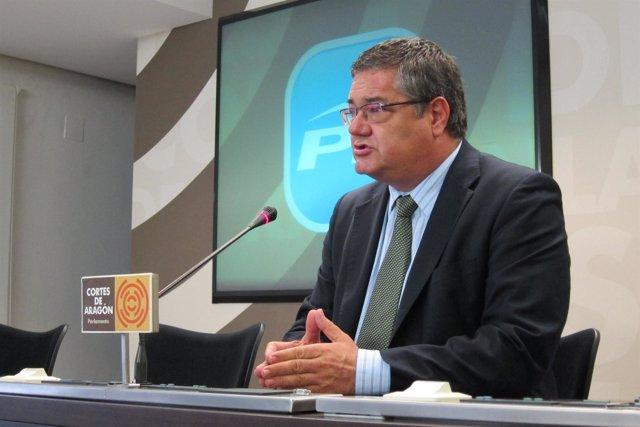 El portavoz parlamentario del PP, Antonio Torres