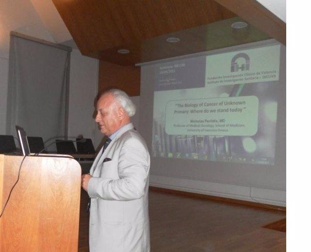 Profesor Pavlidis, Especialista En Oncología De La Universidad De