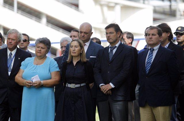 Ana Pastor en el  homenaje a las víctimas del accidente de Spanair