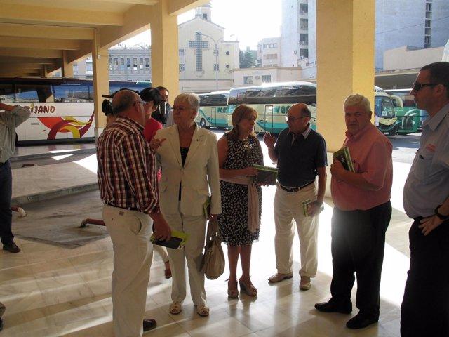 Ana Quílez Y Purificación Gálvez, En El Centro, Visitan La Estación De Autobuses
