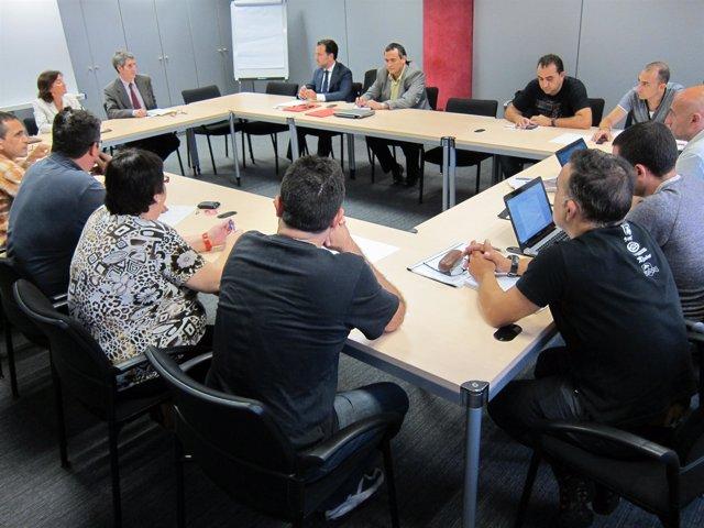 Reunión entre dirección y sindicatos de Nissan en la Generalitat