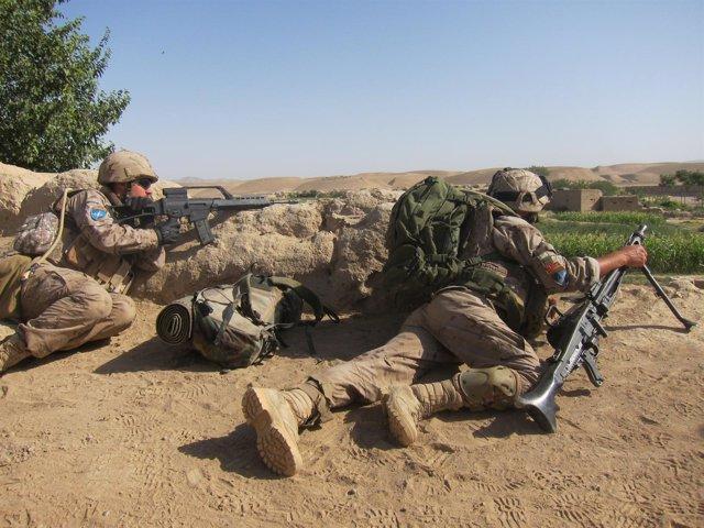 Militares Españoles En Un Puesto Avanzado De Combate, En Moqur.