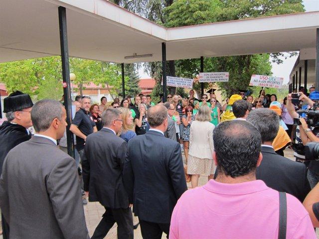Monago Llegando Al Acto De Apertura De La Uex En Cáceres