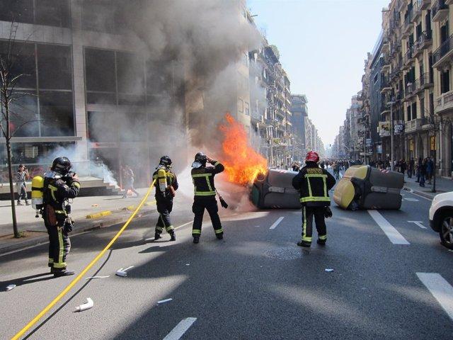 Arde Un Contenedor Durante La Huelga 29M