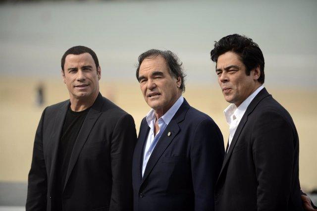 John Travolta, Oliver Stone y Benicio del Toro