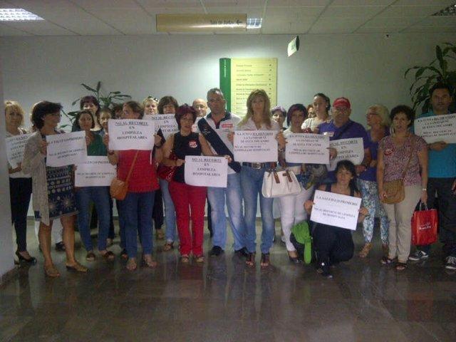 Encierro De Limpiadoras En La Delegación Provincial De Salud